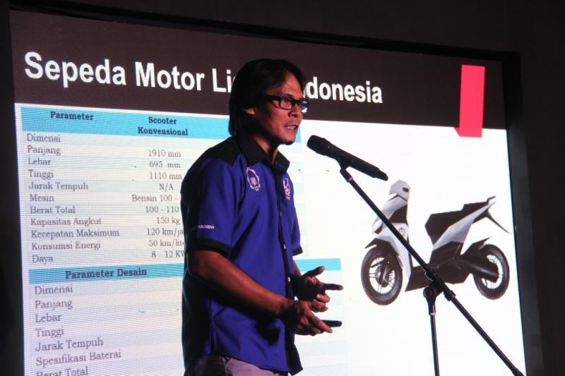 97Ketua Tim Motor Listrik ITS, M Nur Yuniarto